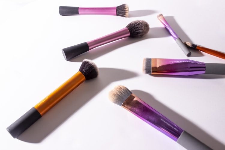 Different Types Of Professional Makeup Brushes (Part I)